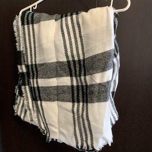 🎉 Plaid scarf